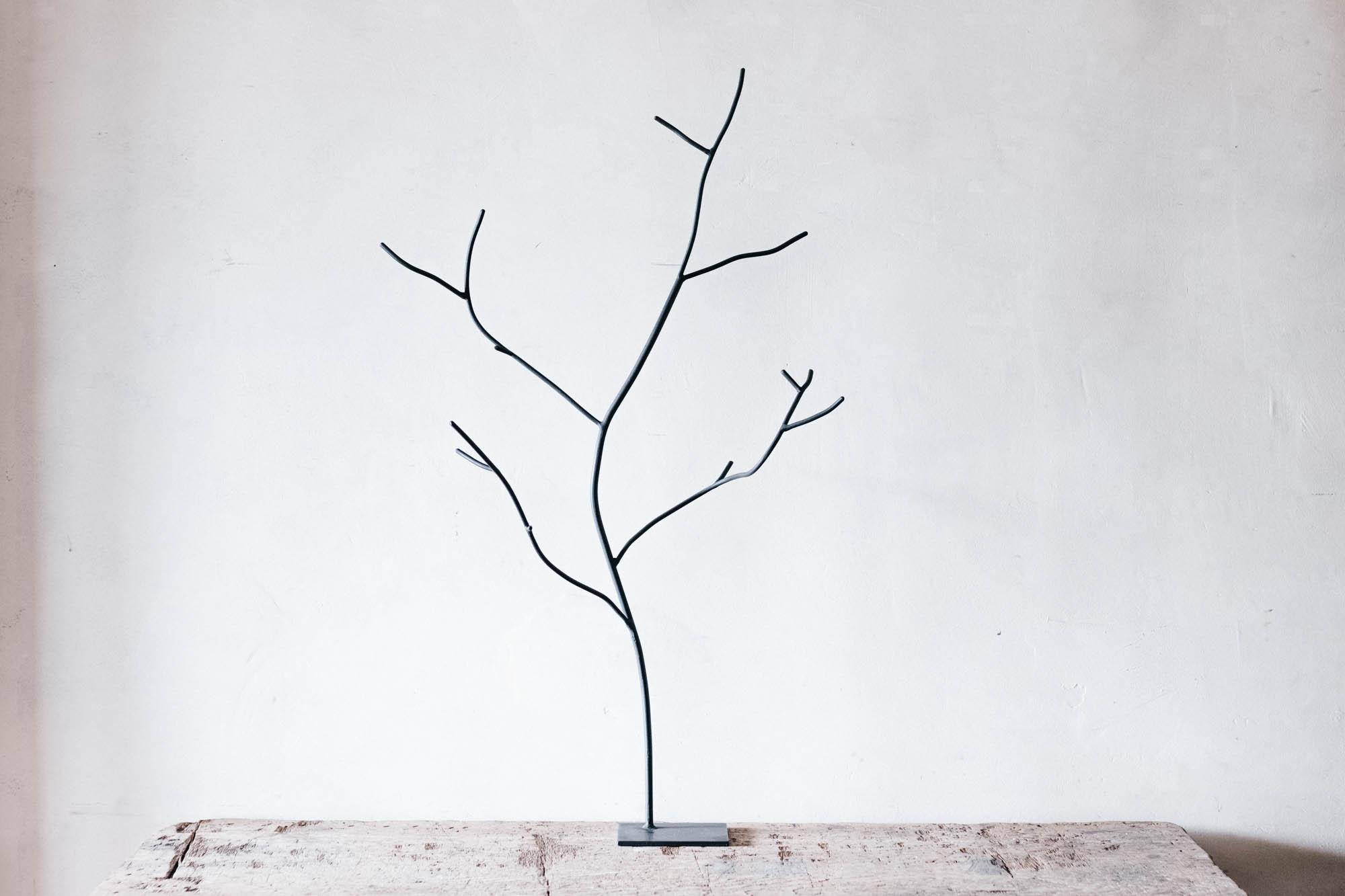 枝のオブジェ L