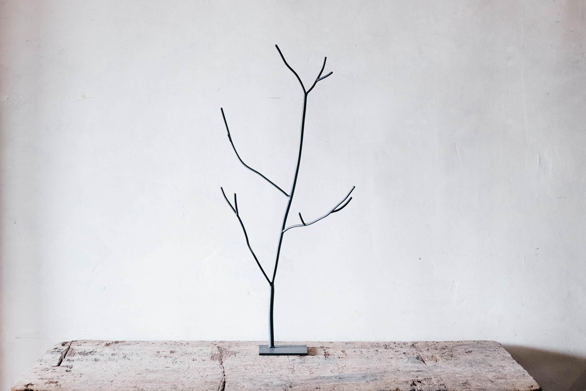 枝のオブジェ M